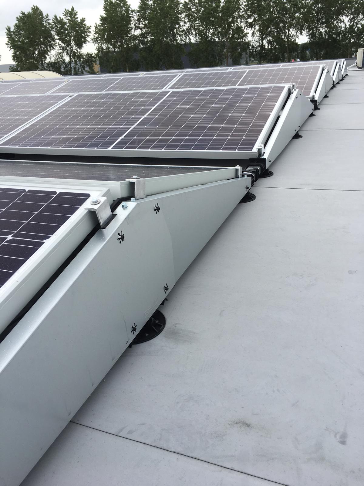 kleine foto van zonnepanelen